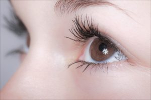 Focus on eyelashes – alternative to false